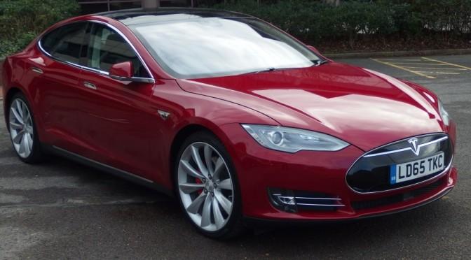 The Gadget Man – Tesla Model S P85D – Autopilot – Part 1 – Auto Park