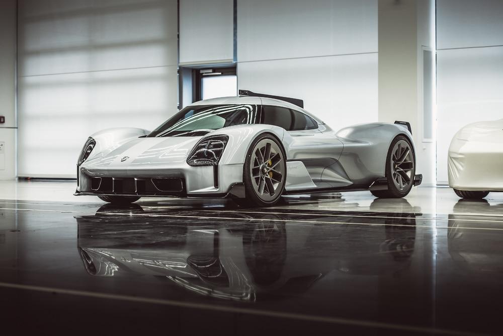 © 2020 Dr. Ing. h.c. F. Porsche AG