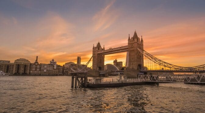 Are tourists still travelling to London?